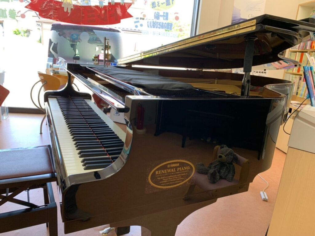ヤマハリニューアルピアノ C3E 西新潟店展示